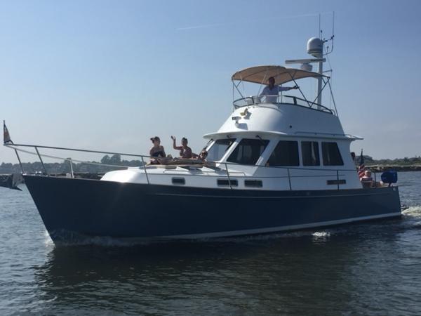 Legacy Yachts 42 Flybridge