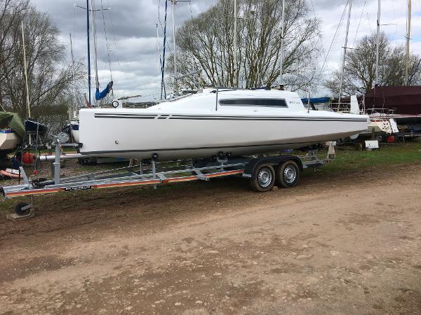BTC 22 yacht Optional Trailer