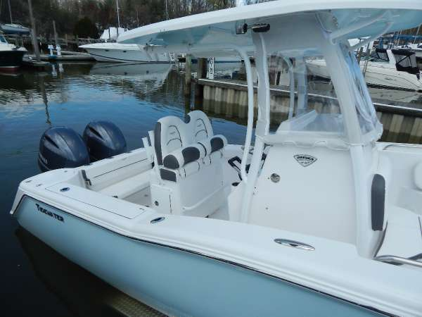 TIDEWATER BOATS 250 CC Adventure