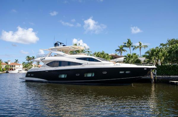 Sunseeker 88 Yacht
