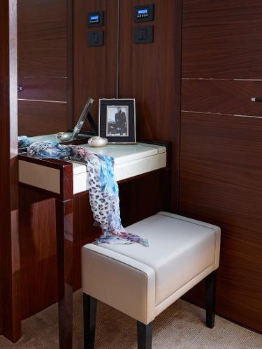 Princess Flybridge 88 Motor Yacht Forward Dressing Table