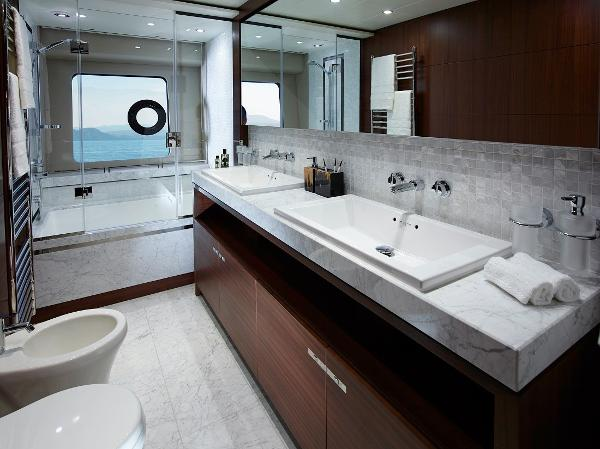 Princess Flybridge 88 Motor Yacht Owners Bathroom