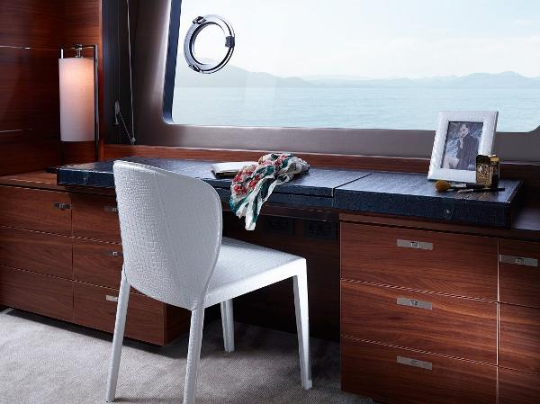 Princess Flybridge 88 Motor Yacht Owners Dressing Table