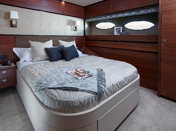Princess Flybridge 88 Motor Yacht Starboard Cabin