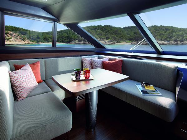 Princess Flybridge 82 Motor Yacht Breakfast Area