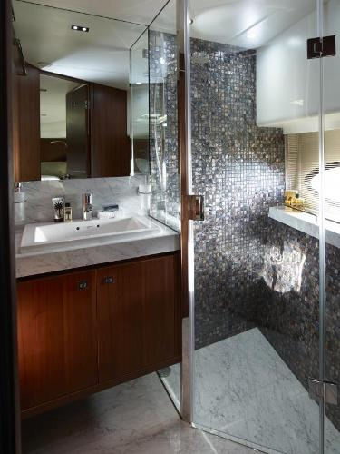 Princess Flybridge 82 Motor Yacht Forward Bathroom