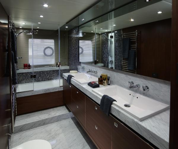 Princess Flybridge 82 Motor Yacht Owner's Bathroom