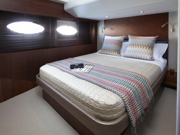 Princess Flybridge 82 Motor Yacht Starboard Guest Cabin