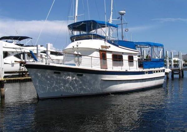 DeFever 43 Sun Deck Trawler