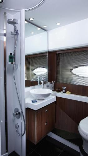 Princess Flybridge 64 Motor Yacht Starboard Bathroom