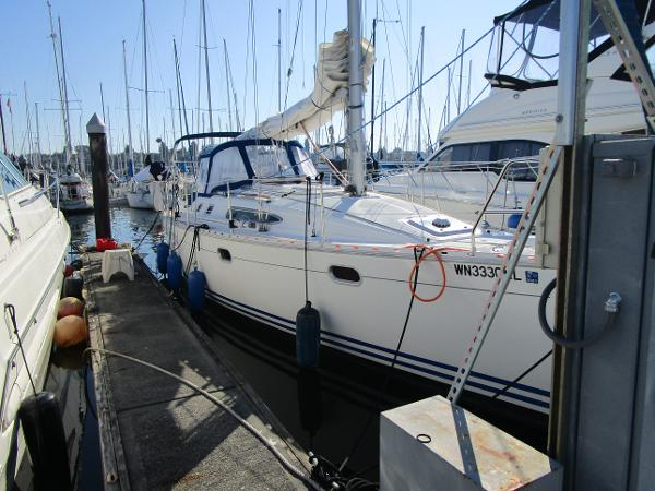 Jeanneau Sun Odyssey 34.2 Stbd. side