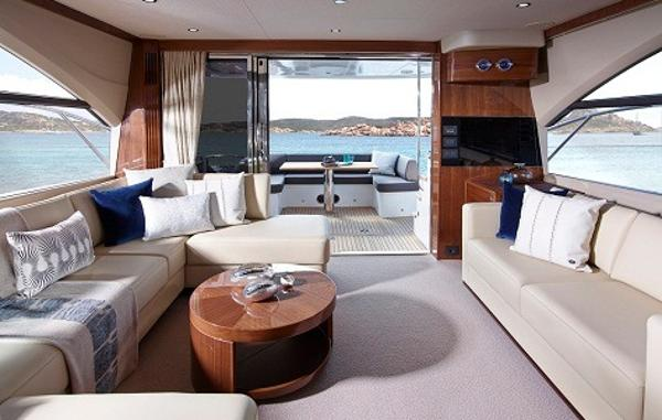 Princess Flybridge 60 Motor Yacht Saloon