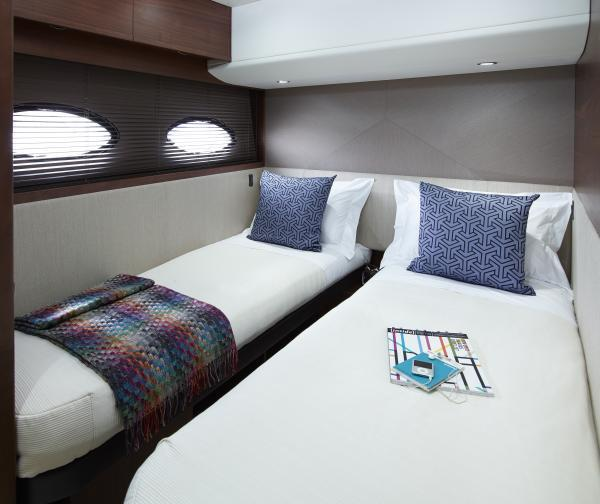 Princess Flybridge 52 Motor Yacht Twin Cabin