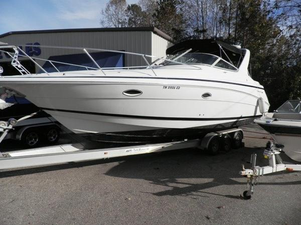 Chris-Craft 328 Express Cruiser