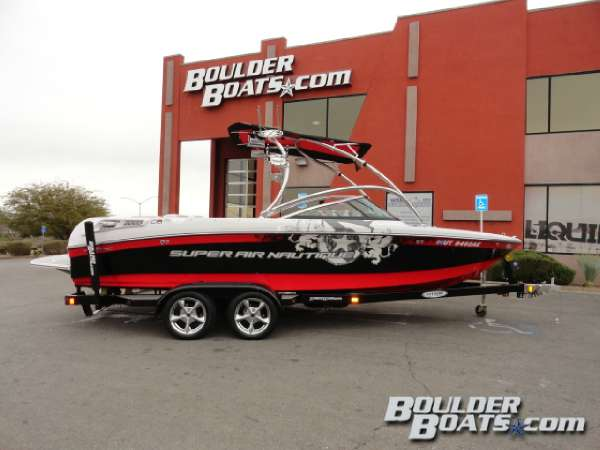 Correct Craft Super Air Nautique 230 Team