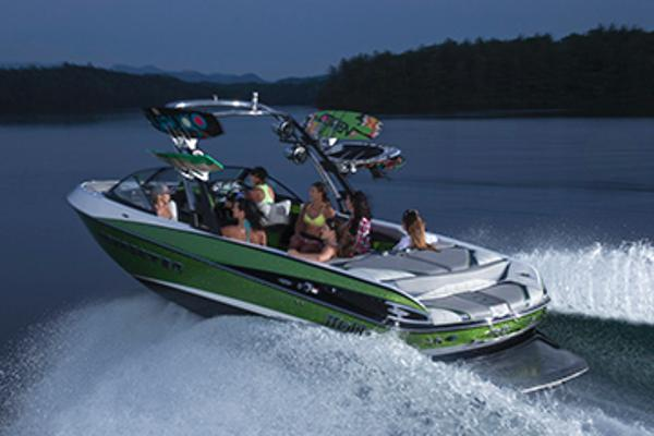 Malibu Wakesetter 247 LSV with 450 HP Manufacturer Provided Image