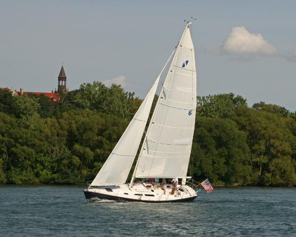 Sabre Spirit 36 Sailing