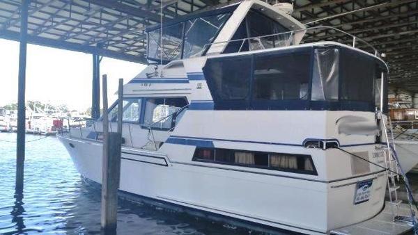 Med Yachts Sundeck