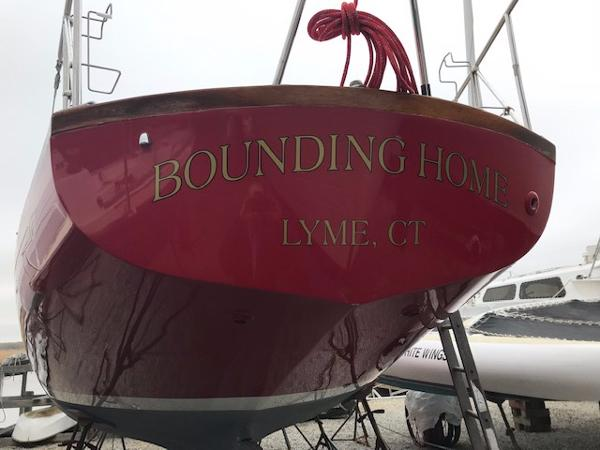 Hinckley Bermuda 40 Bounding Home