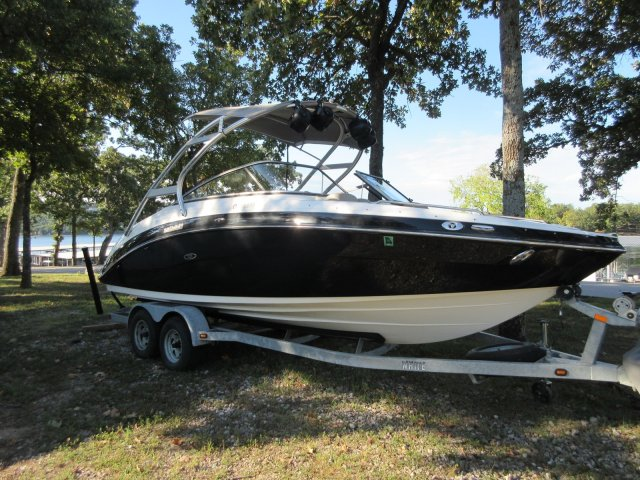 Yamaha Boats Limited 242 S