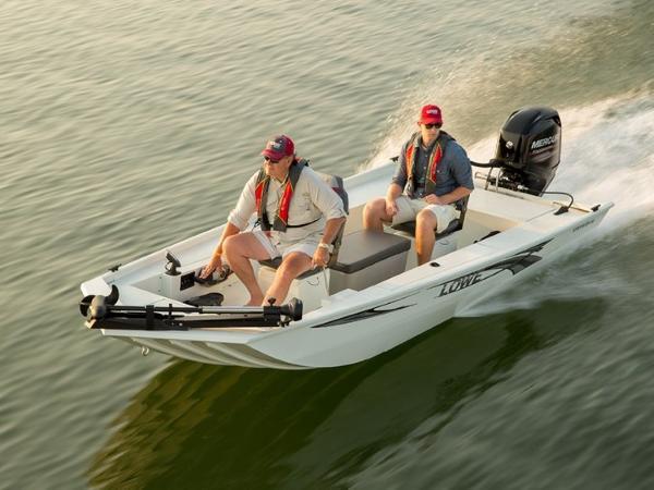 Lowe Boats Stryker SS