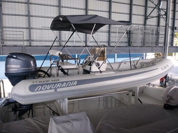Novurania 550