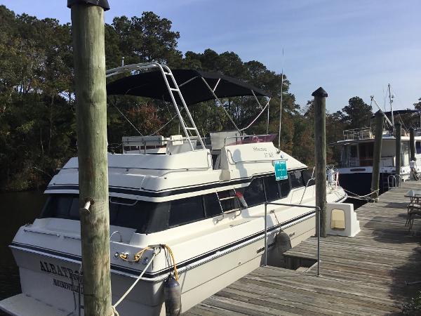 Silverton 37 Motor Yacht At Dock