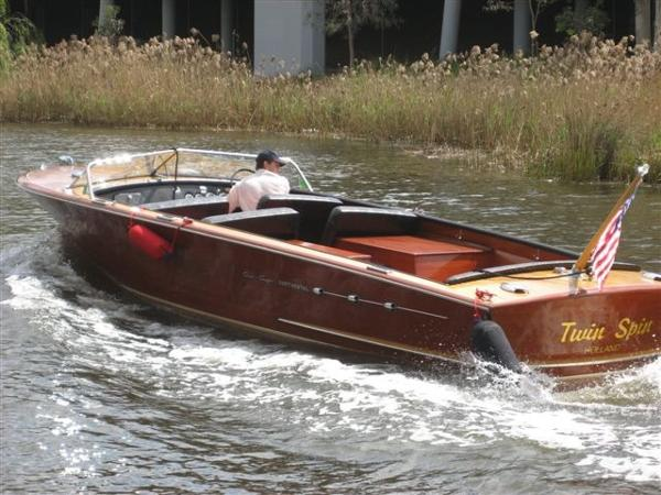 Chris-Craft 26 Continental