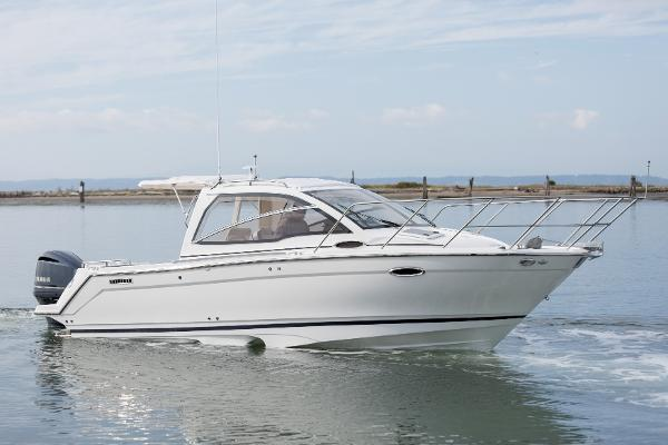 Cutwater C-242 Sport Coupe Yamaha 300hp