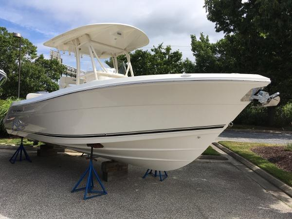 Cobia Boats 237 Center Console