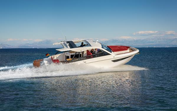 Bavaria Vida 33 Manufacturer Provided Image