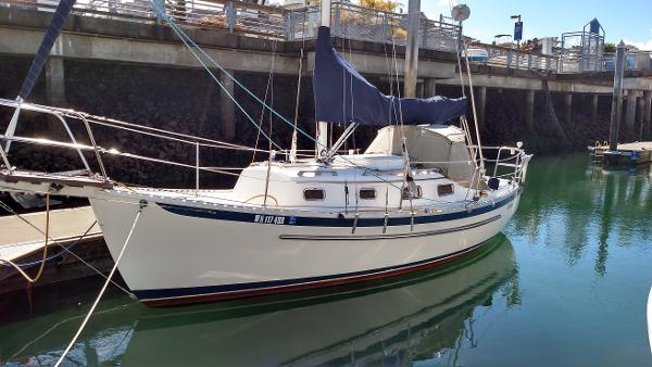 "Pacific Seacraft Dana 24 ""Kestrel"""