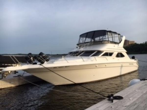 Sea Ray 440 / 450 Express Bridge