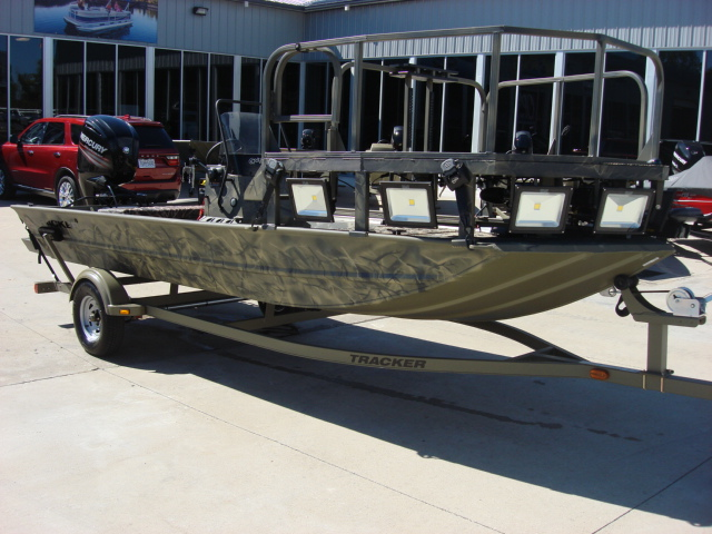 TRACKER BOATS Welded Jon & Utility GRIZZLY 186 ...