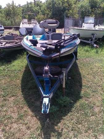 Javelin Boats 379T