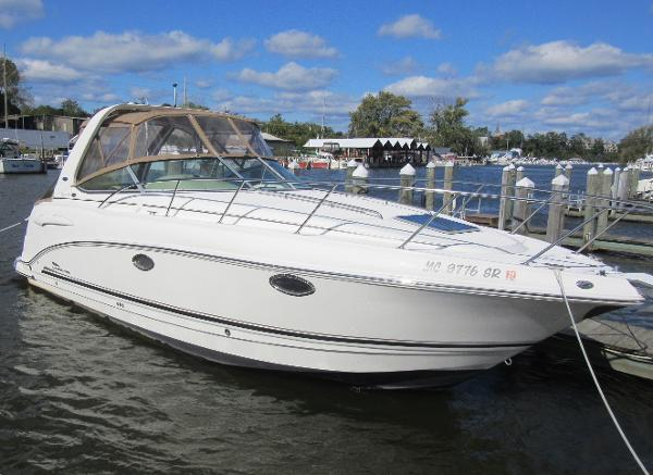 Chaparral 290 Signature DOCKSIDE PROFILE