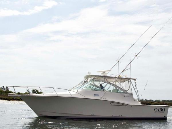 Cabo 35 Express Profile