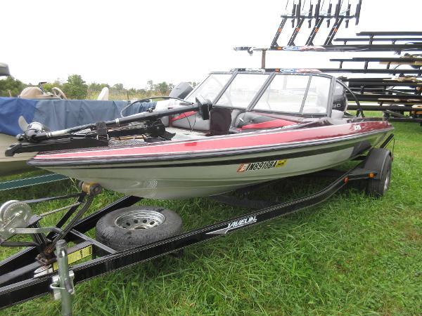 Javelin 379 Fish & Ski