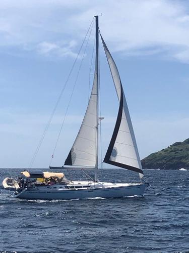Jeanneau Sun Odyssey 49 Port tack