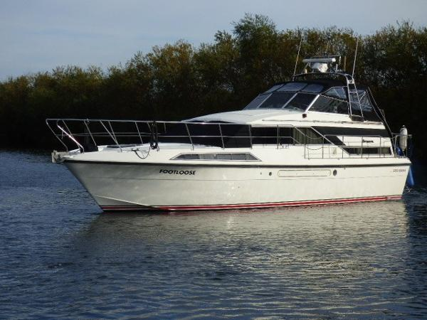 Broom 12 Metre Monarch