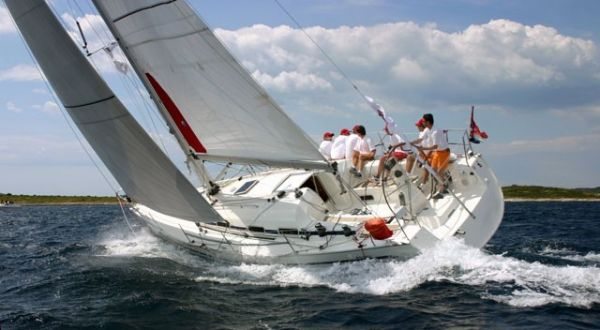 Bavaria 42 Match Photo 4