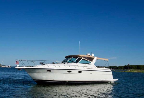 Tiara 3500 Express Port