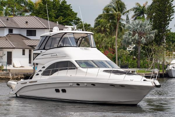 Sea Ray 58 Sedan Bridge Bow profile