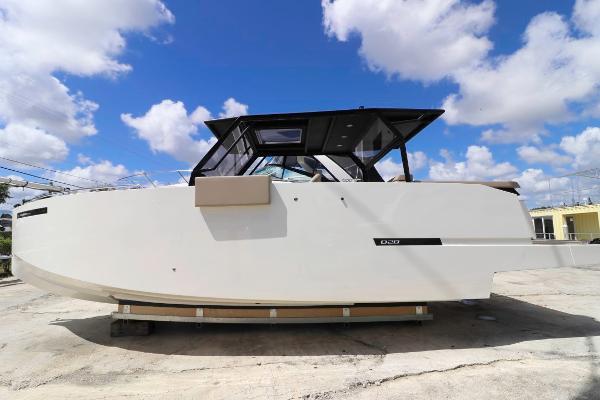 De Antonio Yachts D28 Xplorer