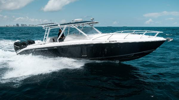Midnight Express 37 Cabin Profile Stbd