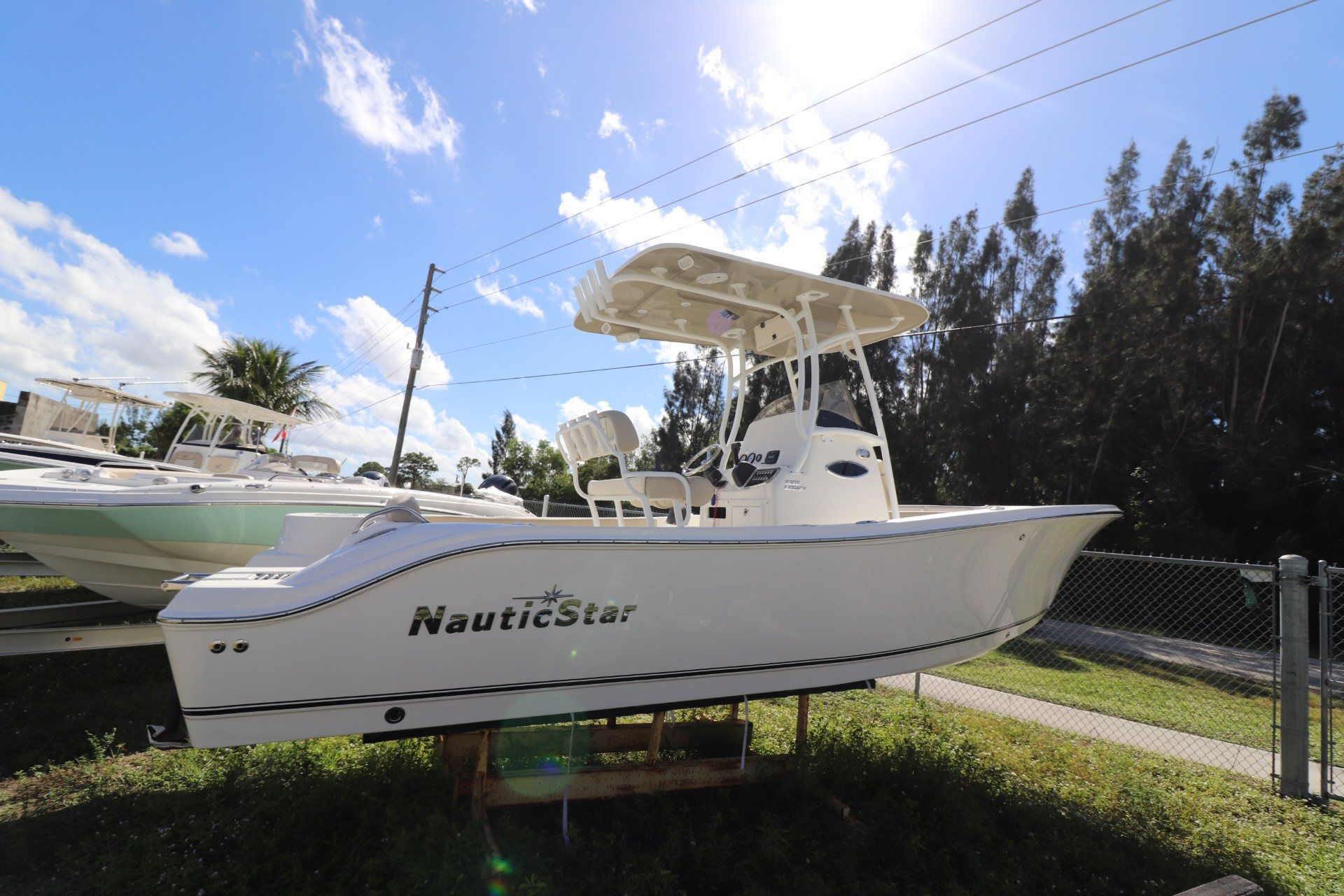 NauticStar 2302 Legacy