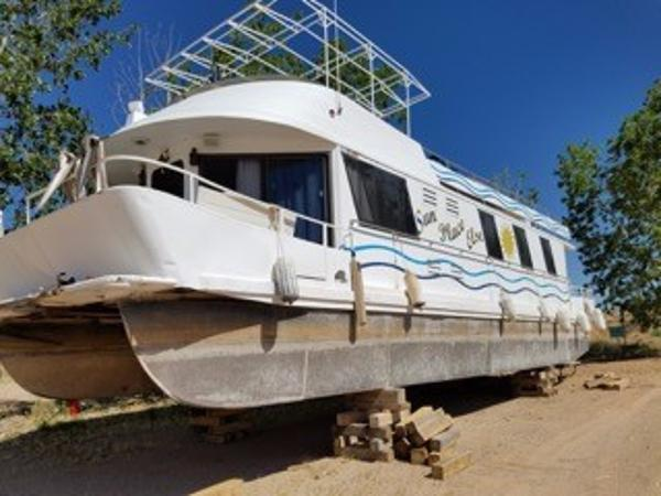Boatel 560 Multi-Owner Houseboat