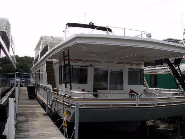 Fantasy Houseboat Houseboat 18 X 90
