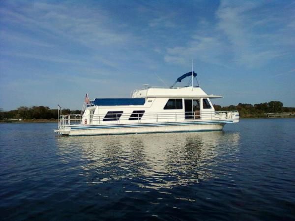 Gibson 50 Cabin Yacht Profile