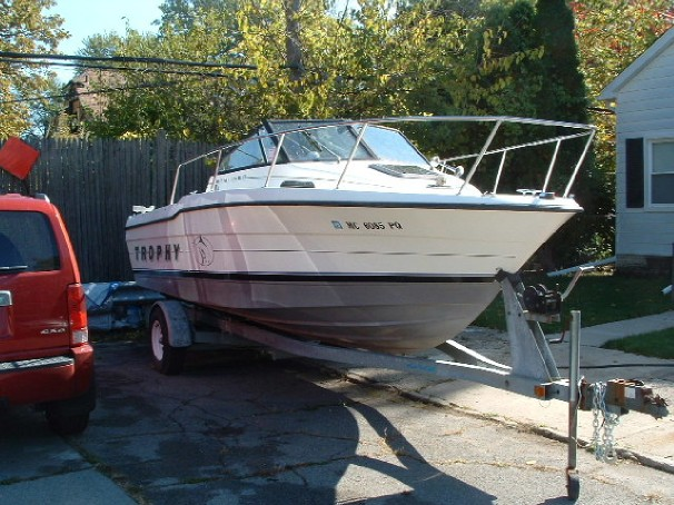 Bayliner 2002 Trophy Front